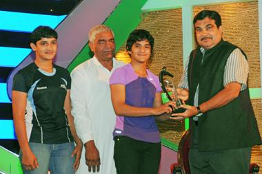 Geeta, Babita & Mahavir Phogat