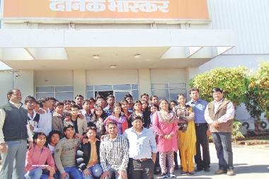 Student on an industrial visit to Dainik Bhaskar press