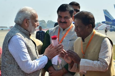 Sri Salil Vishnoi, Board Member, Pratap Group welcoming, Honble Prime Minister, Shri Narendra Modi